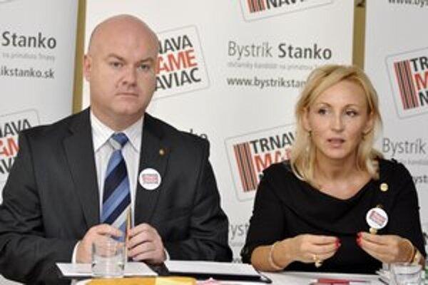 Bystríka Stanka podporovala pred voľbami aj krajská šéfka Smeru Renáta Zmajkovičová.