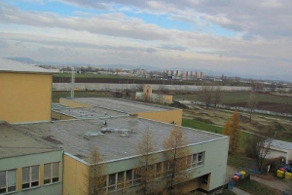 Základná škola na sídlisku Adam Trajan v Piešťanoch.