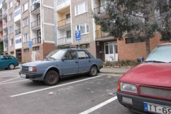 Nepoužívané autá hlásia polícii najmä nespokojní obyvatelia.