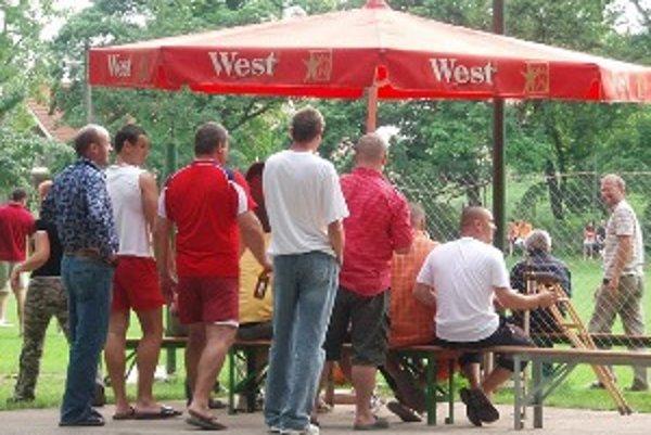 Diváci v Pečeňadoch si v novej sezóne zápasy A-mužstva nepozrú.