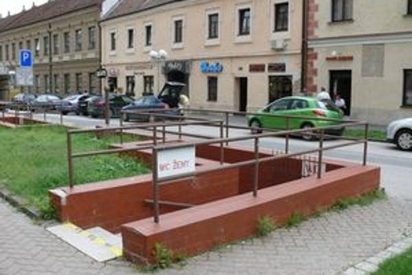 Verejné toalety pri Starej pošte v Trnave najčastejšie navštevujú bezdomovci.