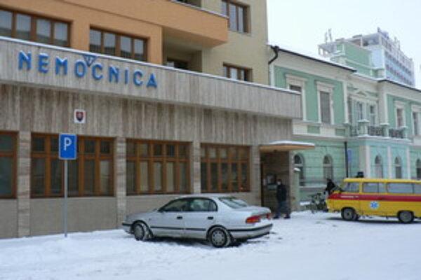 Nemocnica v Piešťanoch má finančné problémy.