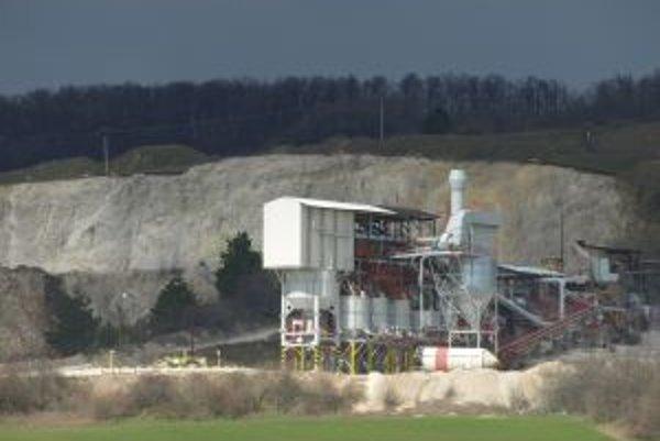 Ťažba v trstínskom kameňolome sa má posunúť na sever