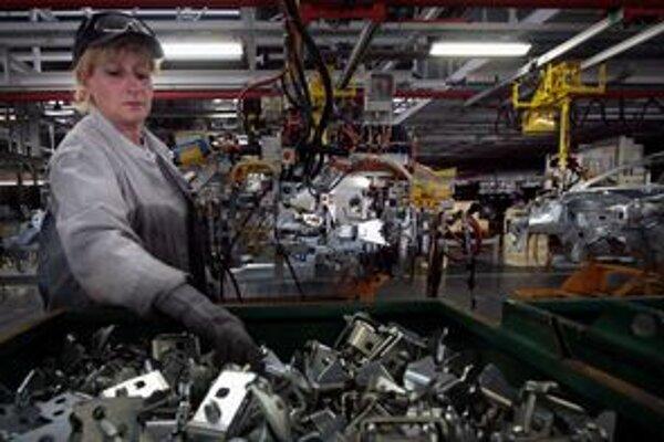Od marca plánuje automobilka znížiť počet zamestnancov až o 190.