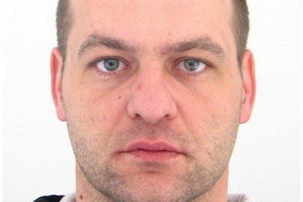 Polícia pátra po 38-ročnom Jozefovi Bielikovi z Dubnice nad Váhom.