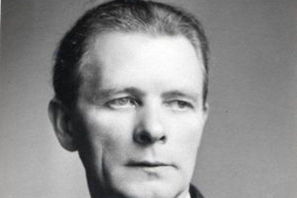 Ján Smrek občianskym menom Ján Čietek.