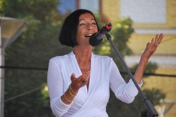 Bývalá hviezda Nora Blahová opäť zažiarila.
