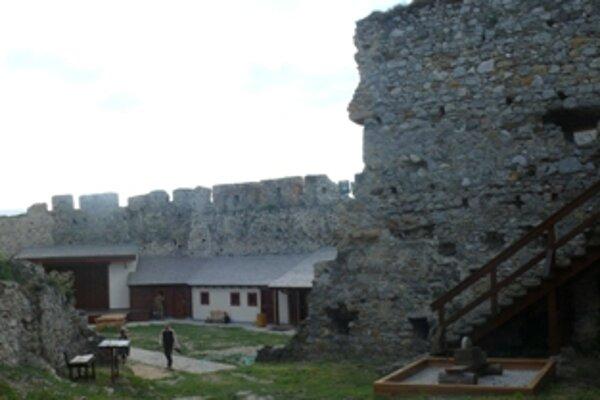 Beckovský hrad návštevníkov privítal v novom šate
