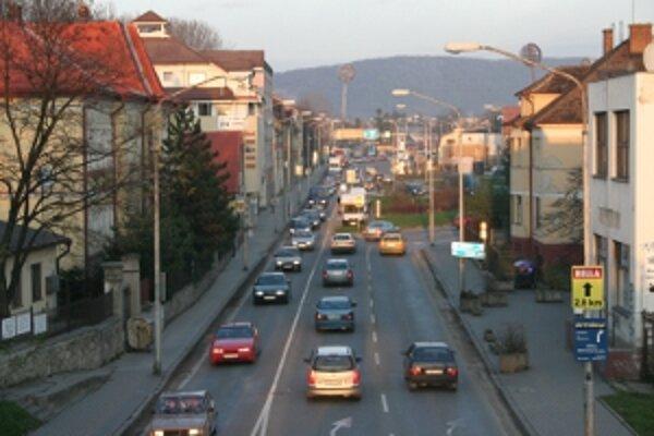 Druhý most by mal odbremeniť centrum od tranzitnej, najmä nákladnej dopravy.