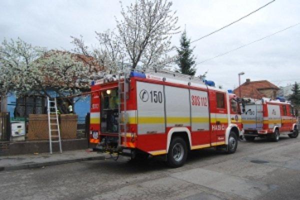 Výbuch v rodinnom dome spôsobil unikajúci plyn.