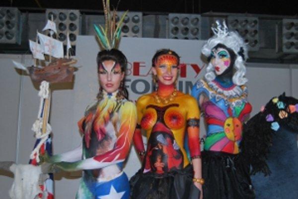 Trojica modeliek s najlepšími maľbami na tele.