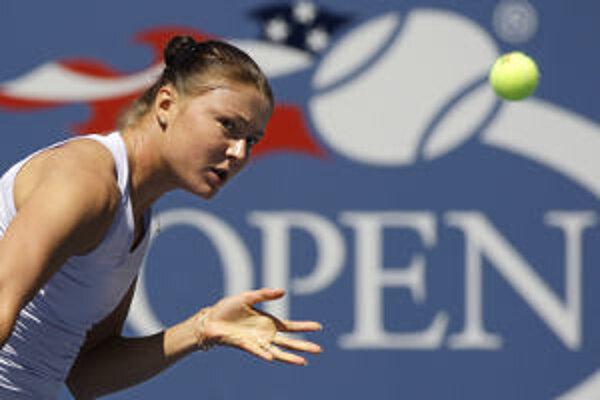 Dinara Safinová stále vedie ženský tenisový rebríček.