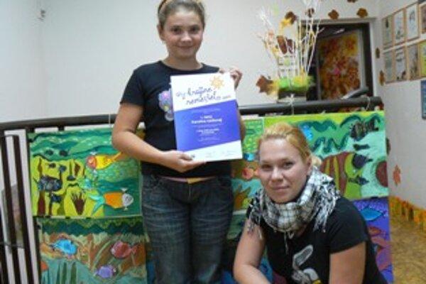 Z prvého miesto v súťaži sa tešila Karolínka Gážiová spolu so svojou učiteľkou Zuzanou Janíčkovou.