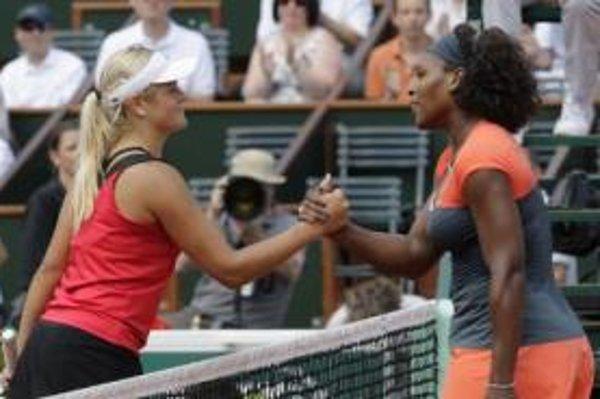 Serena Williamsová vyradila jasným spôsobom Aleksandru Wozniakovú.