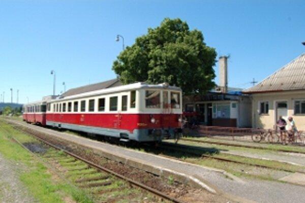 Historické železničné vozidlá sa opäť vracajú na čachtickú trať.