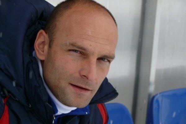 Tréner AS Trenčín Adrián Guľa napokon pri reprezentácii pôsobiť nebude.