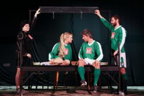 Zvlnený studený front je nové predstavenie Divadla Normálka.