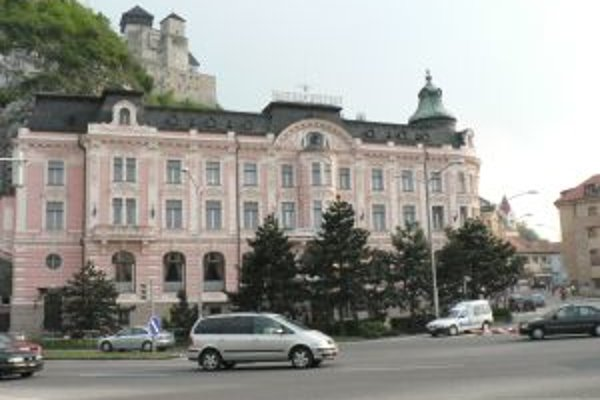 Hotel Tatra mesto predalo v roku 2006.
