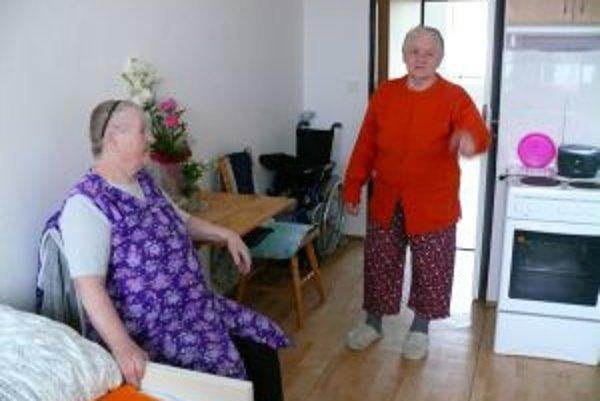 Seniorky sú s podmienkami v dome veľmi spokojné.