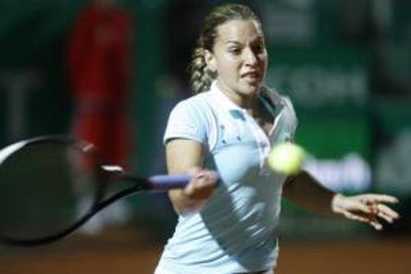 Dominika Cibulková postúpila bez problémov do druhého kola Roland Garros v Paríži.