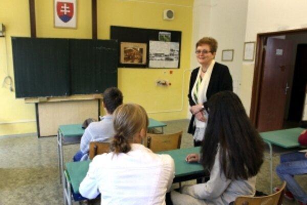 Oproti minulému roku v školách Trenčianskeho kraja je o 1500 stredoškolákov menej