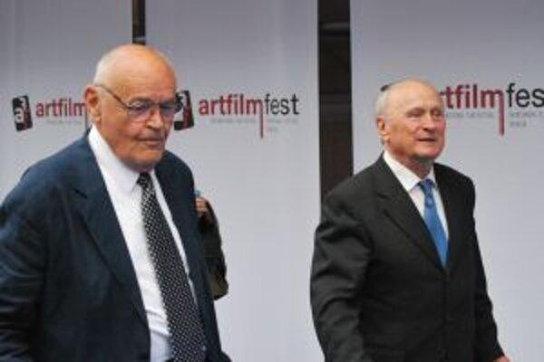 Dva tohtoroční držitelia ocenenia Zlatá kamera Václav Vorlíček (vpravo) a Stanislav Szomolányi.