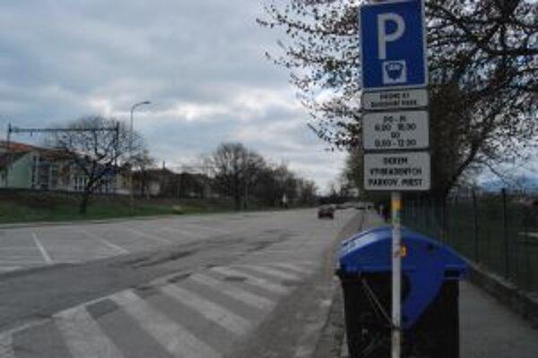 Parkovisko býva prázdne, vodiči ho väčšinou ignorujú.