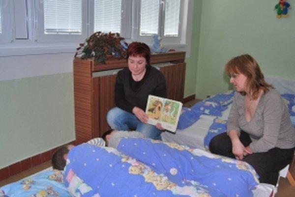 Monika Šupatíková a Gabriela Krajčovicová sa deťom venujú celý deň