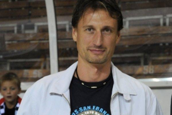Obranca Ľubomír Sekeráš hrá v tejto sezóne opäť za Duklu Trenčín.