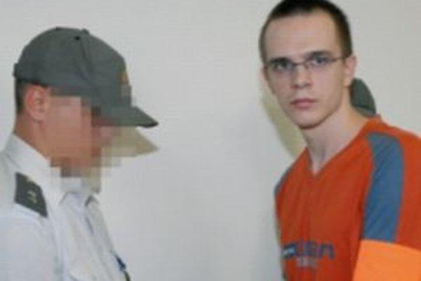 Krajský súd dal 22-ročnému vrahovi trenčianskej taxikárky 25 rokov.