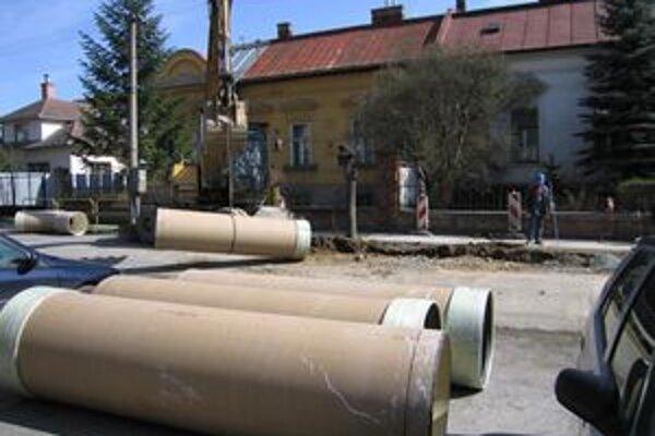 Obciam v Trenčianskom kraji chýba nová kanalizácia.