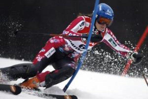 Veronika Zuzulová počas prvého kola slalomu v slovinskom Maribore.