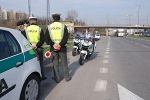 Policajti kontrolovali včera v Trenčianskom kraji vodičov