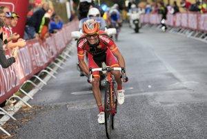 Joaquim Rodríguez útočí. Španiel, ktorý v posledných dvoch rokoch stál na stupňoch víťazov všetkých troch Grand Tour, ale žiadnu nevyhral, sa nedočkal triumfu ani tentoraz.