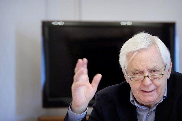 Predseda výboru pre ľudské práva a národnostné menšiny Rudolf Chmel.
