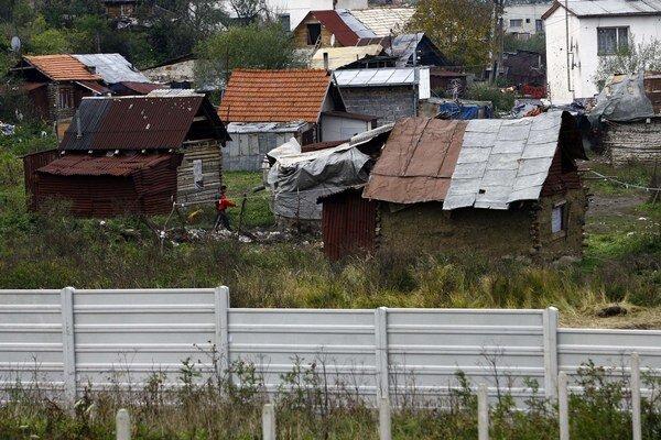 Múr v Ostrovanoch.