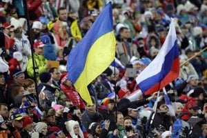 V hľadisku boli ruské aj ukrajinské vlajky.