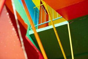 bytovka v osade ožila zvnútra farbami.