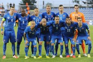 Hráči Slovenska pred prípravným futbalovým zápasom Slovensko - Čierna Hora 23. mája 2014 v Senci.