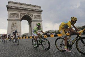 Vincenzo Nibali v žltom tričku lídra Tour de France.
