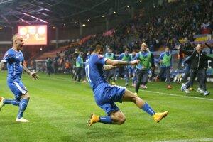 Národný tím vyhral v kvalifikácii o postup na majstrovstvá Európy 2016 aj v Bielorusku 3:1. A vedie skupinu. Z gólu sa teší Marek Hamšík.