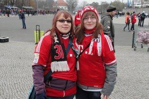 Fanynky Bayernu pred zápasom.