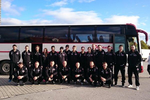 Hoekojvý tím súperí s tímami z Česka, Poľska a Rakúska v Európskej univerzitnej hokejovej lige.