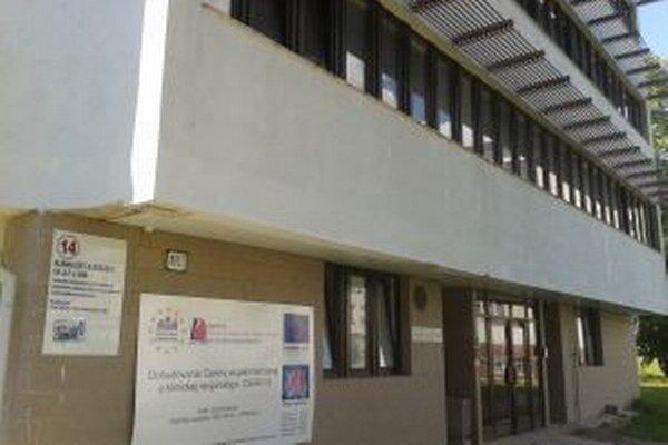 V Univerzitnej nemocnici v Martine reparovali tvár 15-ročnému Mariánovi, ktorý sa stal obeťou šikanovania.