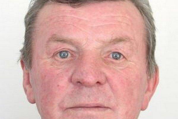 Na  64-ročného Čadčana Jána Kromku  vydal Okresný súd v Bratislave II príkaz na zatknutie pre prečin krádeže.