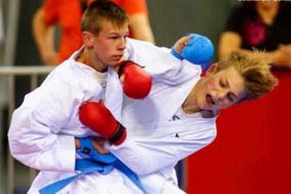Marek Pončka (vľavo) v akcii.
