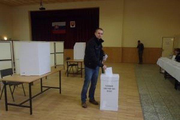 Dnes si v Zborove nad Bystricou dopoludnia odvolil aj Radoslav Bukovan.