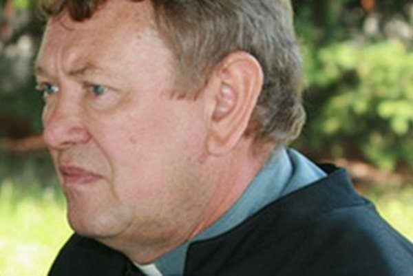 Dekan Emil Floriš.