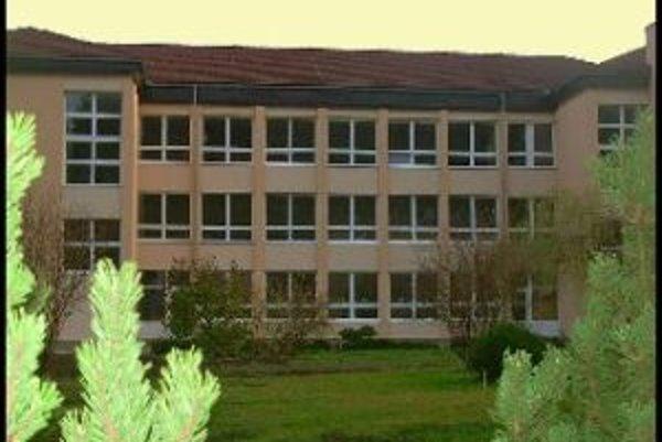 Základná škola v Makove takisto zíva pre štrajk prázdnotou.