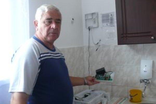Starosta Ján Pokrivka hovorí, že zlodejim im spôsobili škodu vo výške 25-tisíc eur.